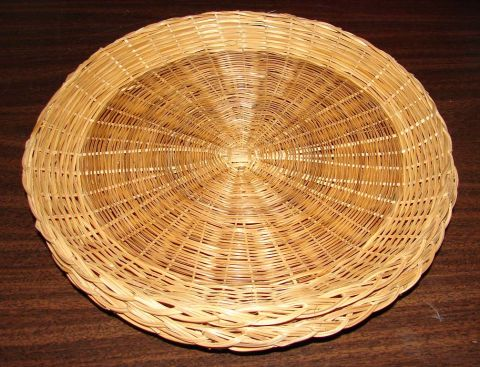 Wicker Paper Plate holders & Vintage Wicker Paper Plate chargers